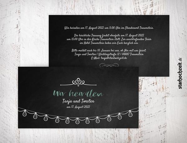 Hochzeitseinladungen gothic schwarz mit weiser Schrift in Schiefertafelobtik und Lichterkette für deine Hochzeit. Zu den Hochzeitskarten gibt es passende Kuverts.