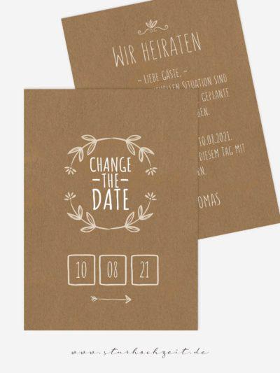 Change-the-Date Karten – Blumenkranz Kraftpapier – Vorderseite der Karte mit Schriftzug
